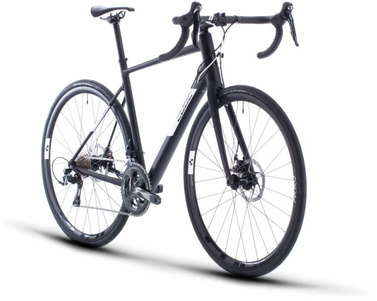 Cube Attain Race black n white 2020 - Aluminium Rennrad Herren