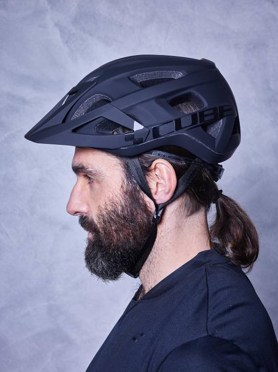 Cube Helm AM RACE black n black