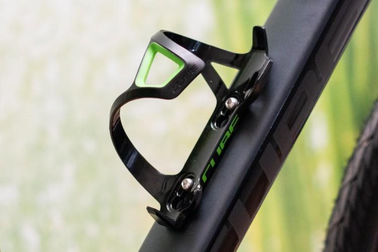 Cube Flaschenhalter HPP Sidecage black n green
