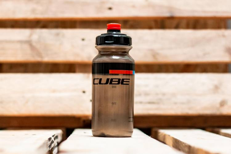 Cube Trinkflasche 0.5l TEAMLINE black n red n blue